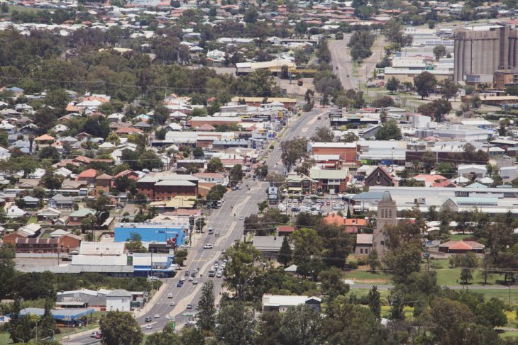 Make more migrants move to South Australia